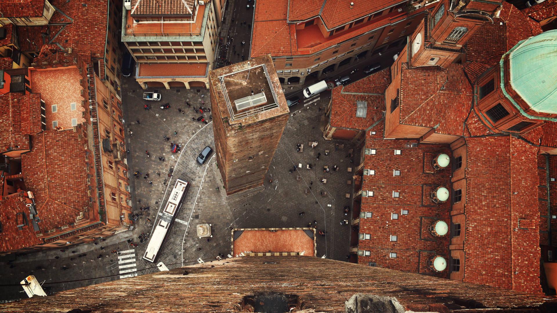 Dentro la città di Bologna, Viaggio Intorno Al Mondo